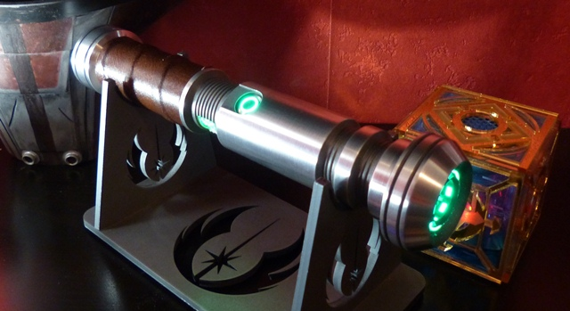 http://www.goth-customsabers.ftl-network.com/pictures/forums/gladius/gladius01.JPG