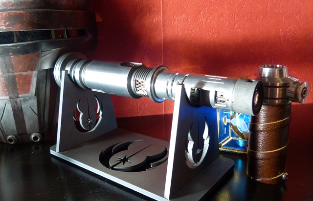 http://www.goth-customsabers.ftl-network.com/pictures/forums/gladius/gladius05.JPG