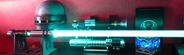 http://www.goth-customsabers.ftl-network.com/pictures/forums/gladius/gladius16.JPG